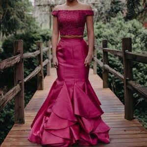 Dresses & Skirts - Alyce prom dress